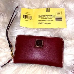 Dooney and Bourke new with tags Wristlet